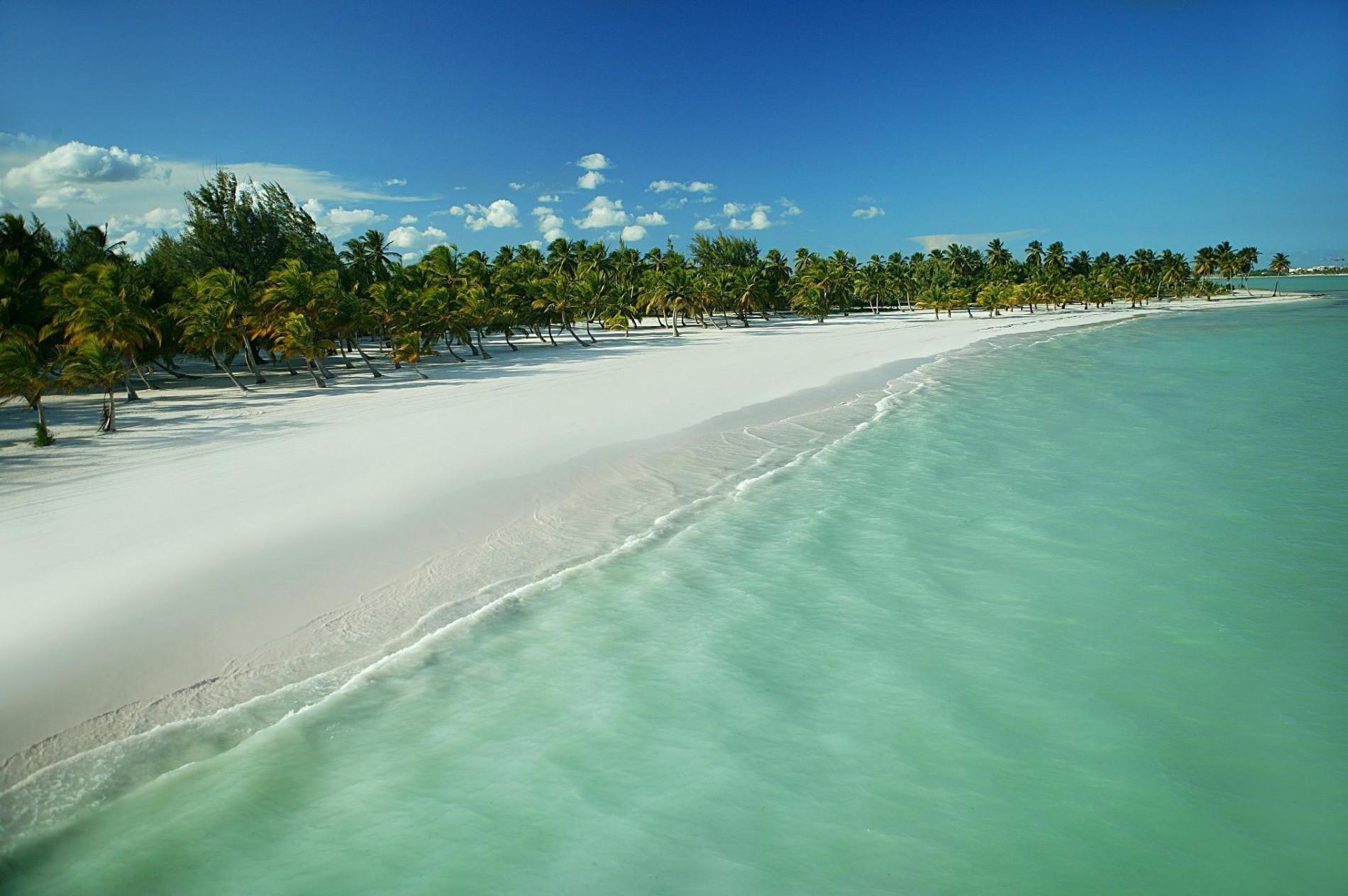 playa-juanillo-2022697648