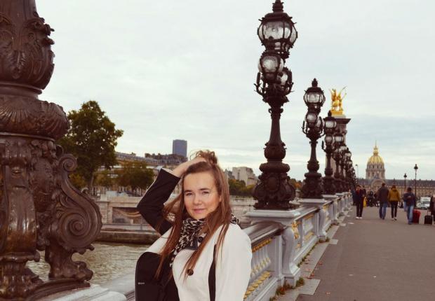 O północy w Paryżu ?