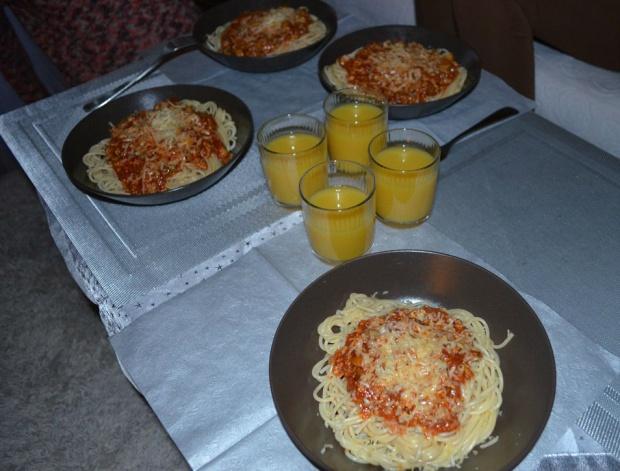 Spaghetti wg Kasi, idealne na prawie babski dzień;)