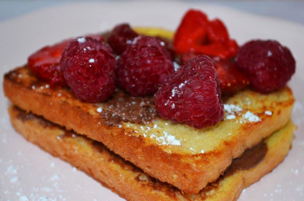 French toast with nutella and strawberries!