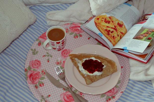 Naleśniki śniadaniowe: słodki Cappuccino z wisienką czy wytrawny Twarożek z łososiem?
