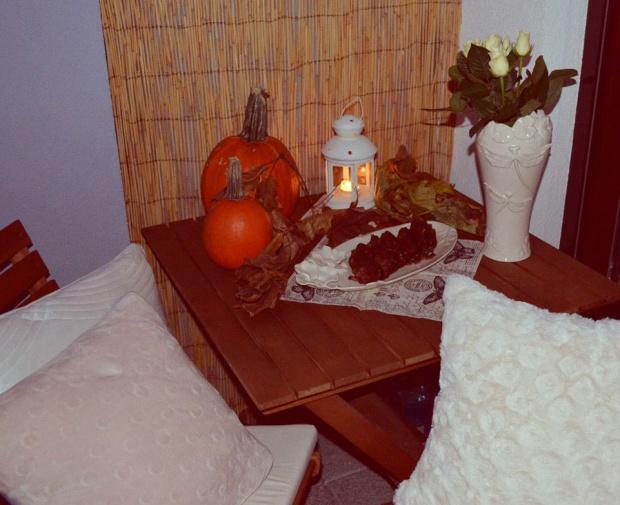 Jesienny mocno czekoladowy piernik ze śliwkami!