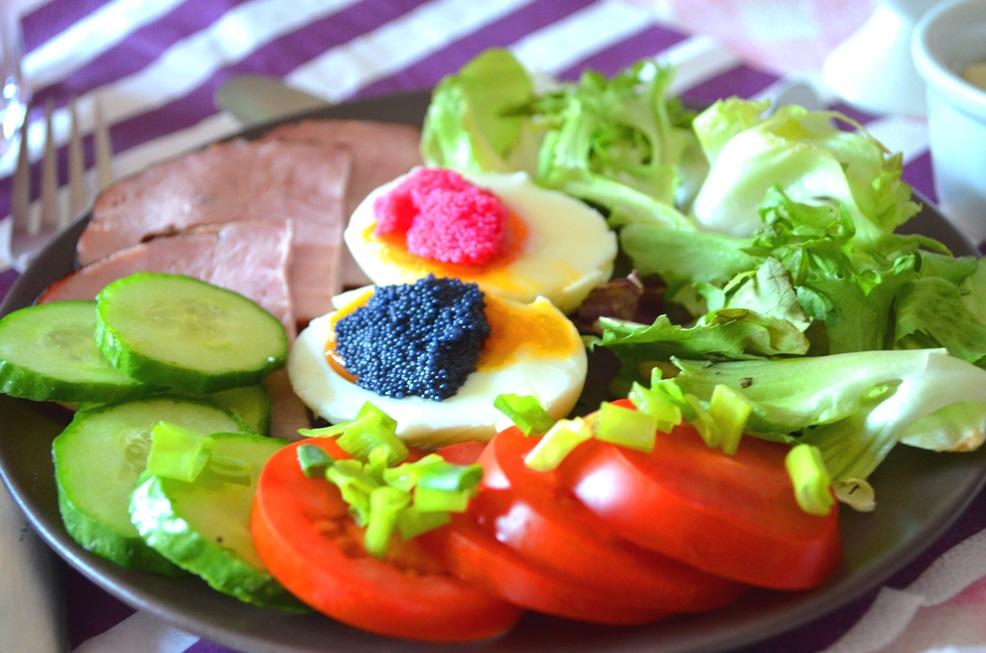 Szybkie, pożywne, kolorowe śniadanie;)