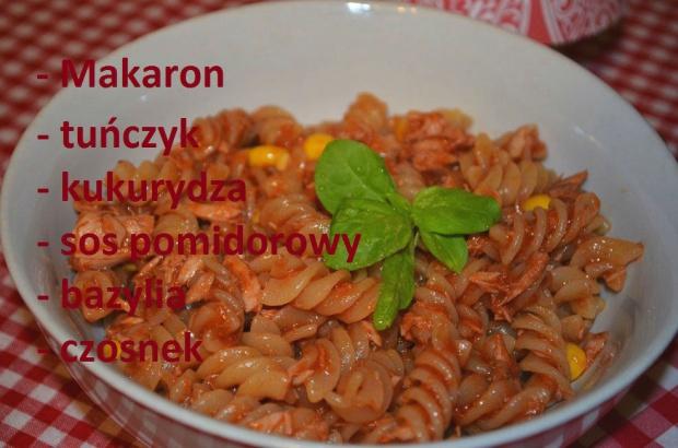 Makaron. Z sosem pomidorowym, tuńczykiem i kukurydzą!