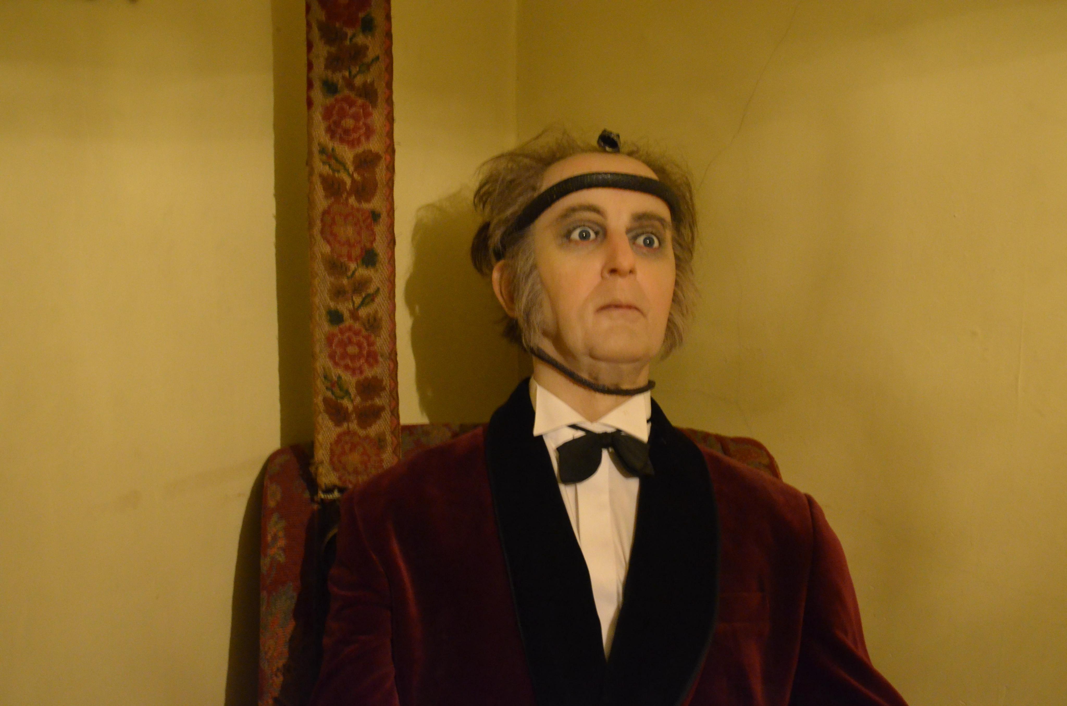 The Sherlock Holmes Museum ? 221b Baker Street, London!