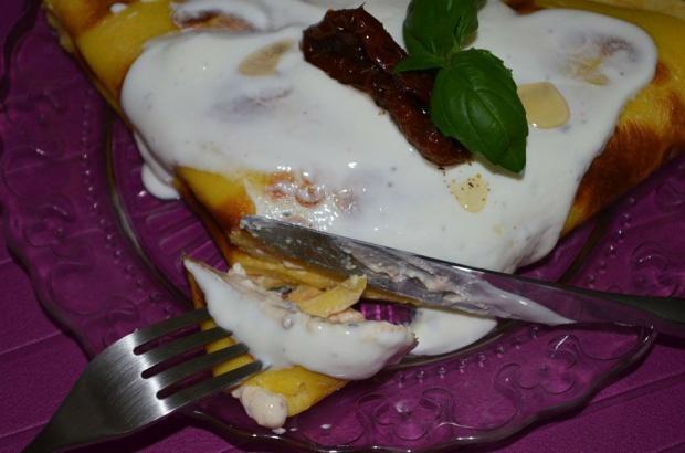 Naleśniki z suszonymi pomidorami i serem feta!